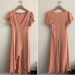 3 for $20! EUC ESSUE. trimmed midi dress. Peach